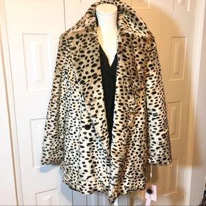 LAST 1! AVEC LES FILLES plush leopard print coat L